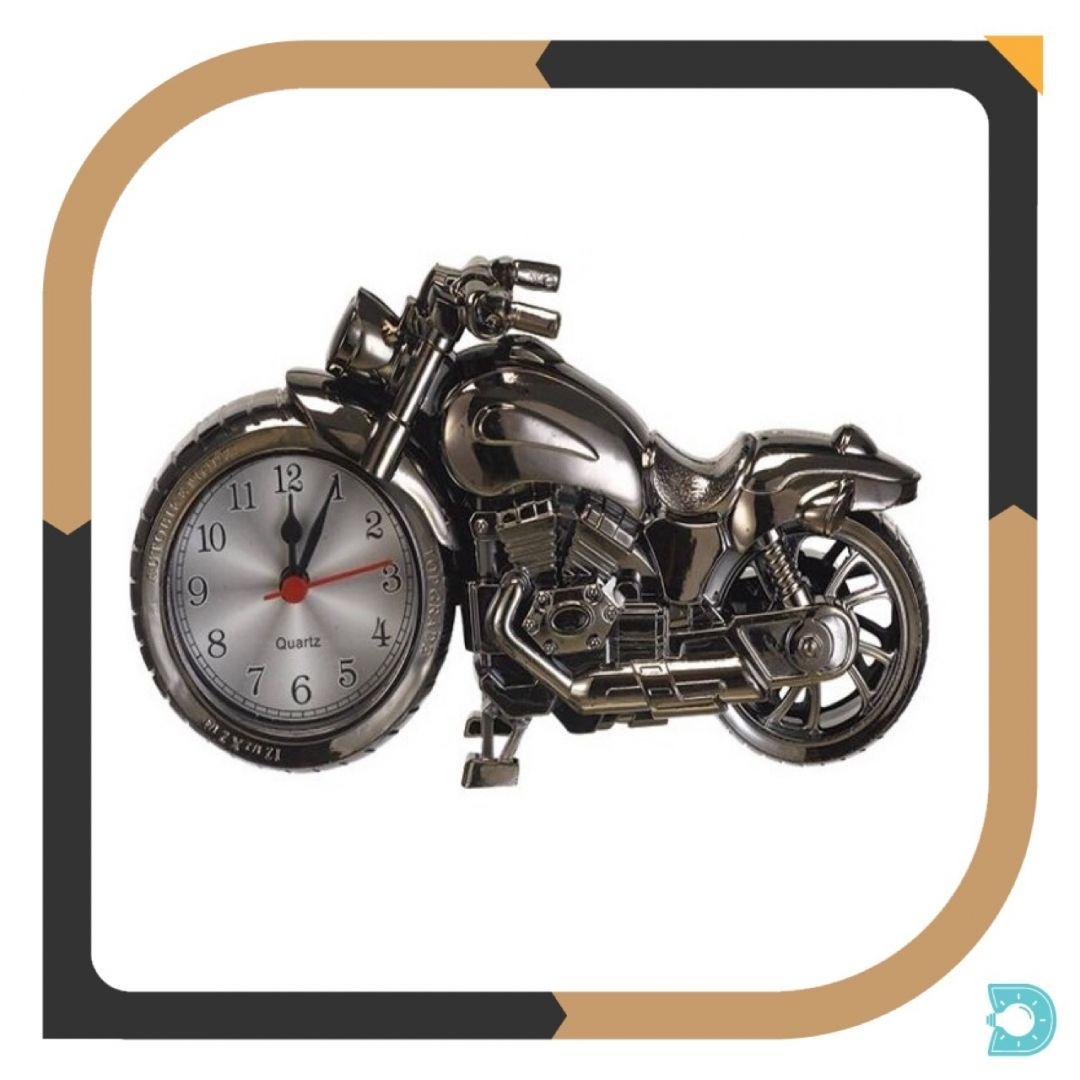 8a1dd46c793 Um relógio despertador decorativo no formato de moto. Ideal para pessoas  modernas e que gostam