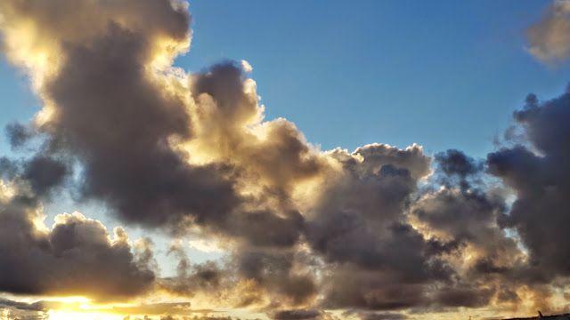 Desde las Islas Canarias  ..Fotografias  : Mirando a la Nubes ...sur de Gran Canaria