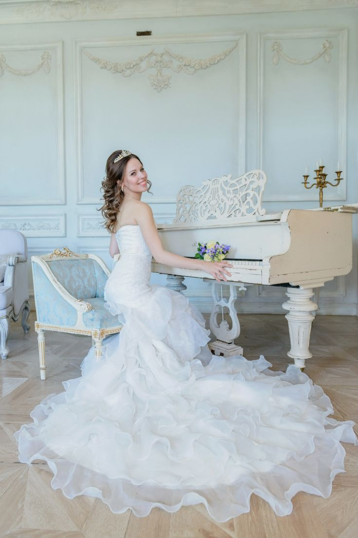 Top Wedding Dresses Selection. In Search Of The Newest Bridal Gowns ...