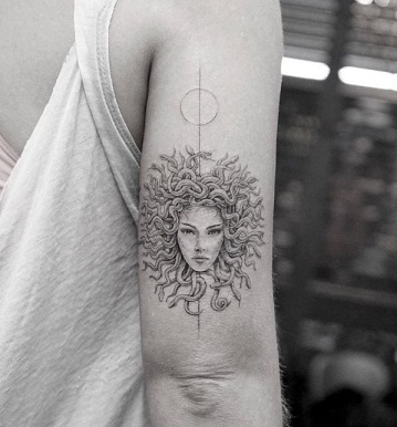 9 Beautiful and Scary Medusa Tattoo Designs