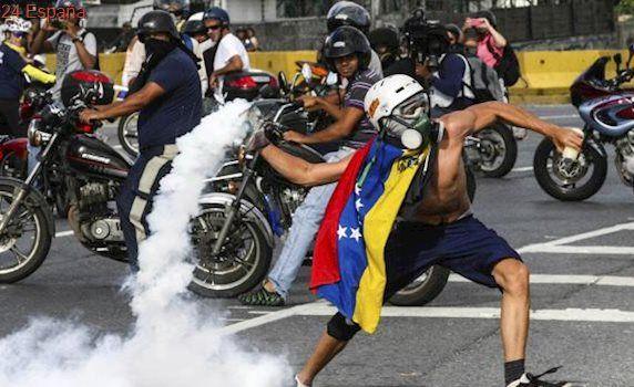 Maduro reprime ahora viejos feudos chavistas