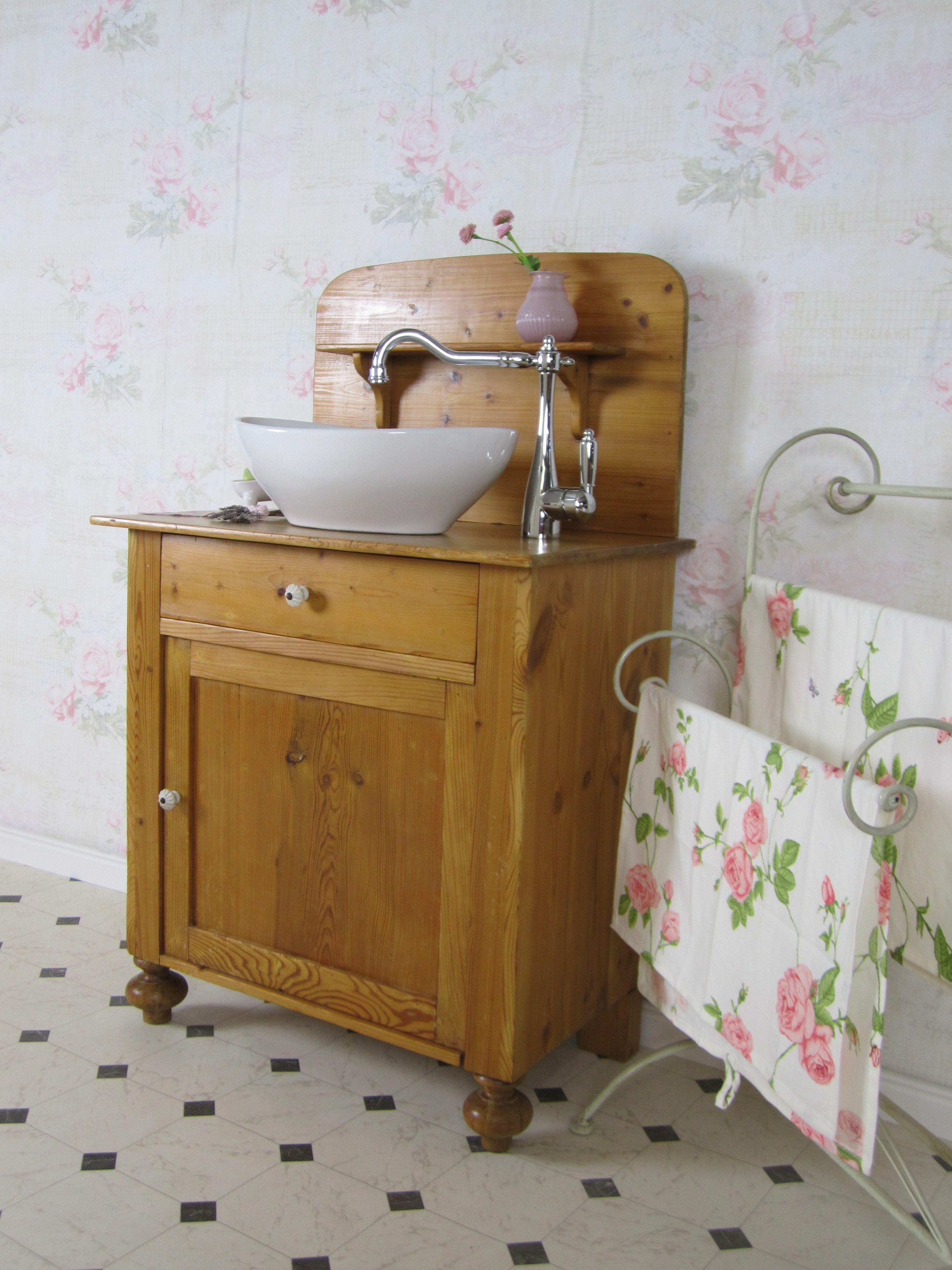 """Das Badmöbel Holz """"min skat"""" ist ein dänischer Waschtisch ..."""