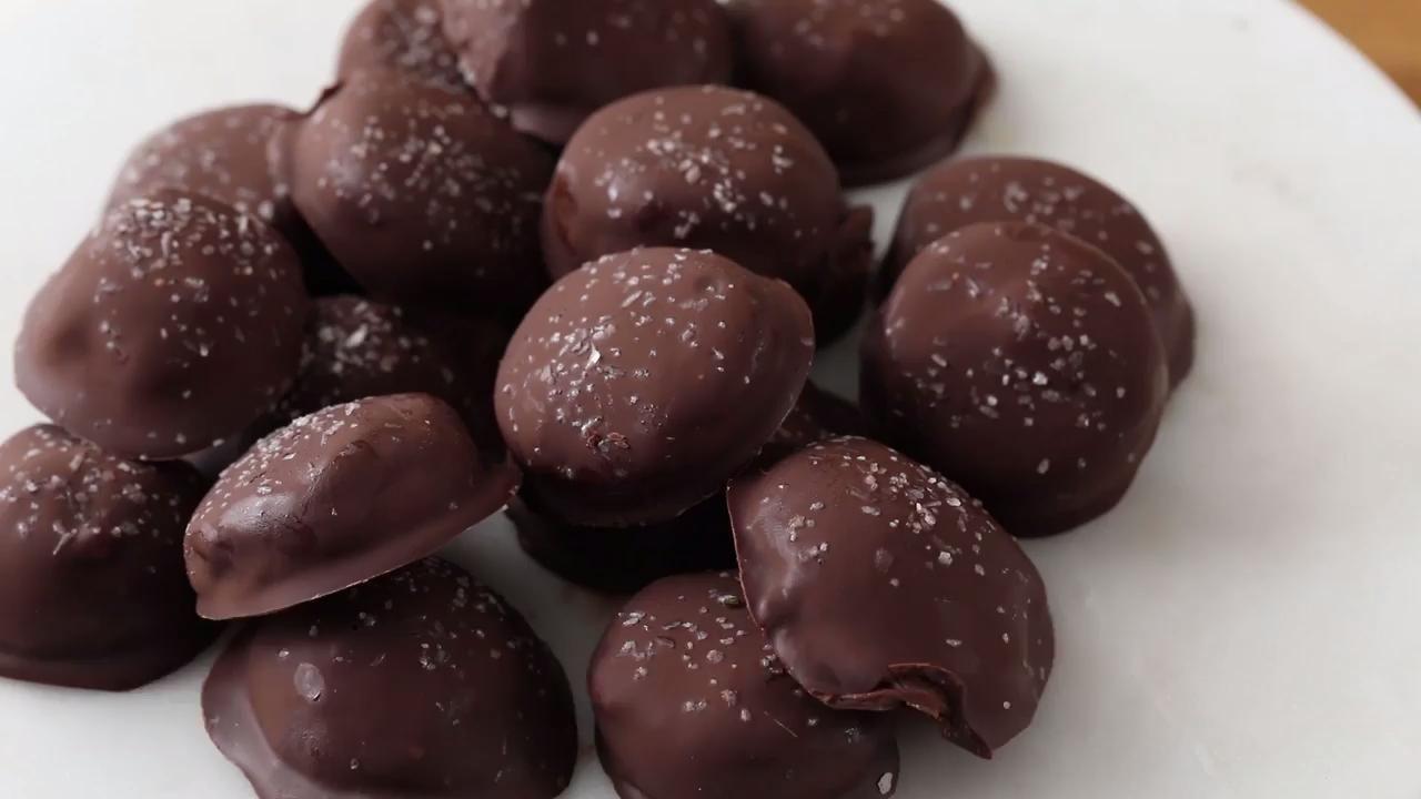 Salted Dark Chocolate Hazelnut Caramel Truffles Video Caramel Truffle Thanksgiving Chocolate Desserts Yummy Food Dessert