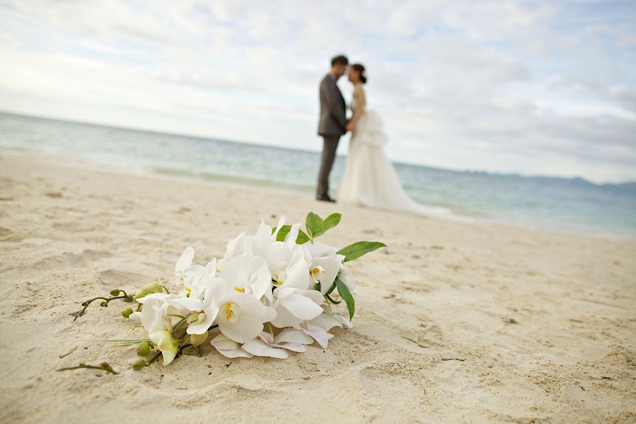Bouquets Couples in love Wedding Beach Sand Flowers