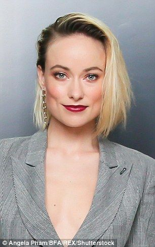 Olivia Wilde Debuts New Platinum Bob With Dark Roots At Tiffany Event Olivia Wilde Hair Blonde Hair
