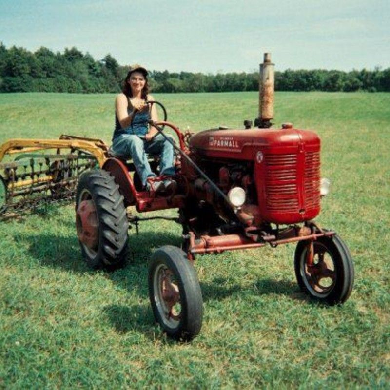 Oldest Antique Tractors : Do you think me and my farmall deserves to win the steiner