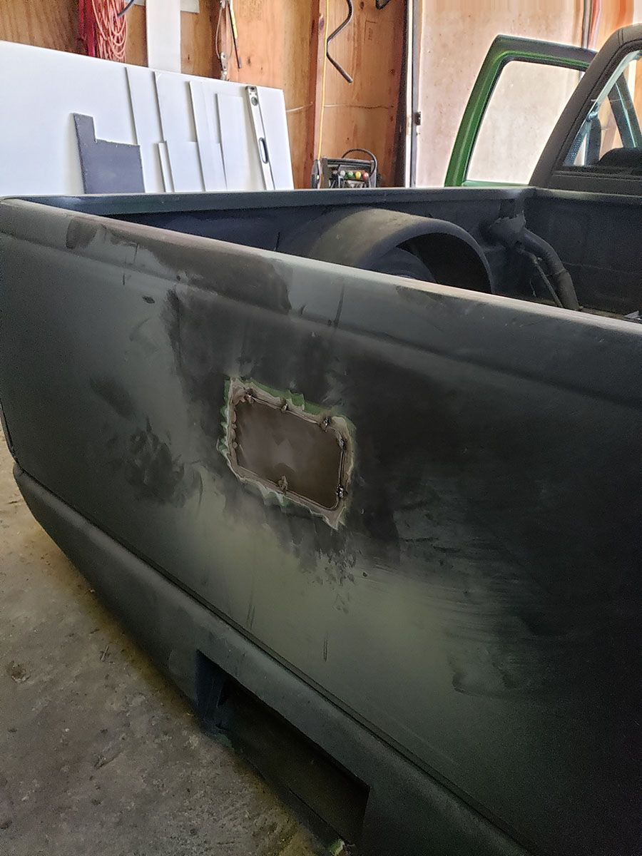 Shaved tailgate handle