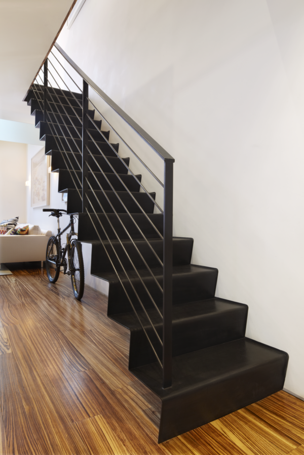 innenarchitektur treppenhaus design schwarz metall | treppen, Innenarchitektur ideen