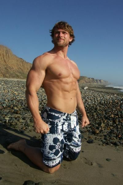 Andrewsmirror: Drew's Mirror Pebble Beach Muscle Man