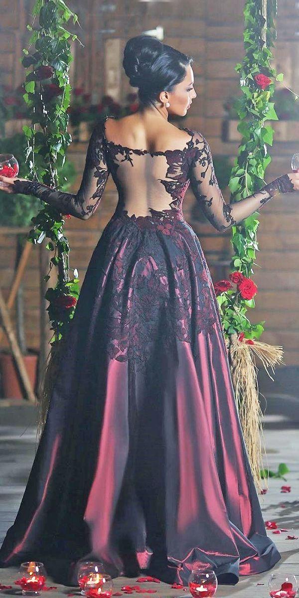 15 Gothic Wedding Dresses Challenging Traditions See More Http Www Weddingforward Com Gothic Wedding Dress Kleider Hochzeit Gothic Kleider Schone Kleider