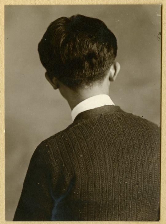 Peng Ruilin 自拍照 self portrait, 1932