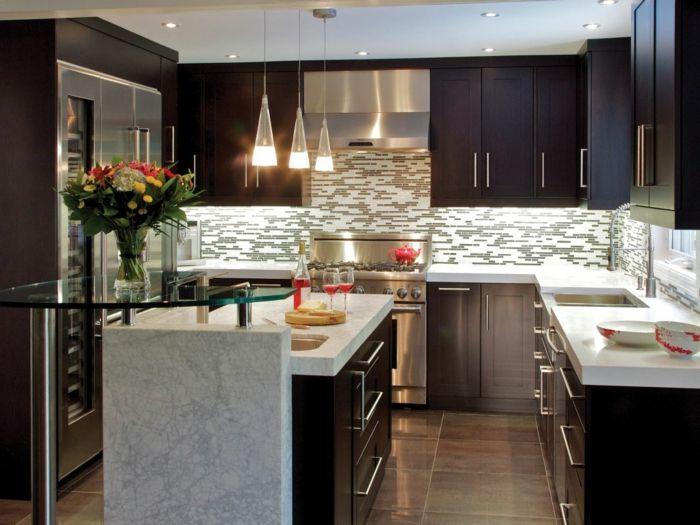 kleine küche einrichten kücheninsel glas blumen küchenfliesen - kleine küchen gestalten