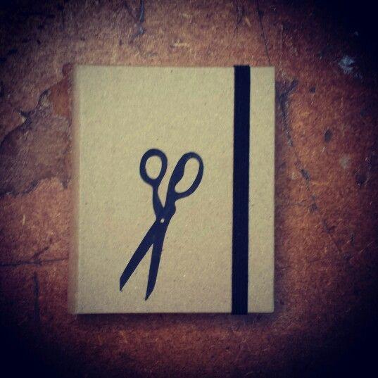 Caderno de costura. Para seus desenhos e anotações.  Folhas recicladas e sem pauta.