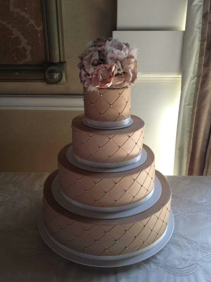 biggest tier wedding cake large 4 tier wedding cake with quilted pattern and floral 11741
