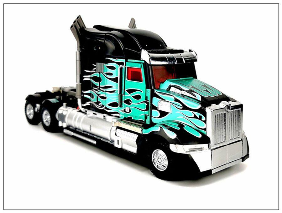 Transformers Unique toys UT R-02B OP Challenger OptimuPrime Black instock