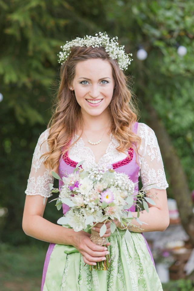 Heiraten In Tracht Suss Traditionell Einfach Bayrisch Dirndl Hochzeit Hochzeit Blumenmadchen Kleid