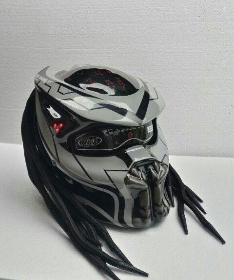 New Design Predator Helmet Black And White Colour Dot Aproved Free