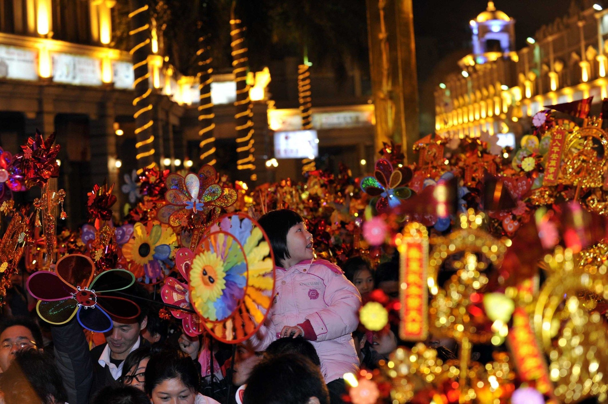 Hasil gambar untuk chinese new year in ghuangzou