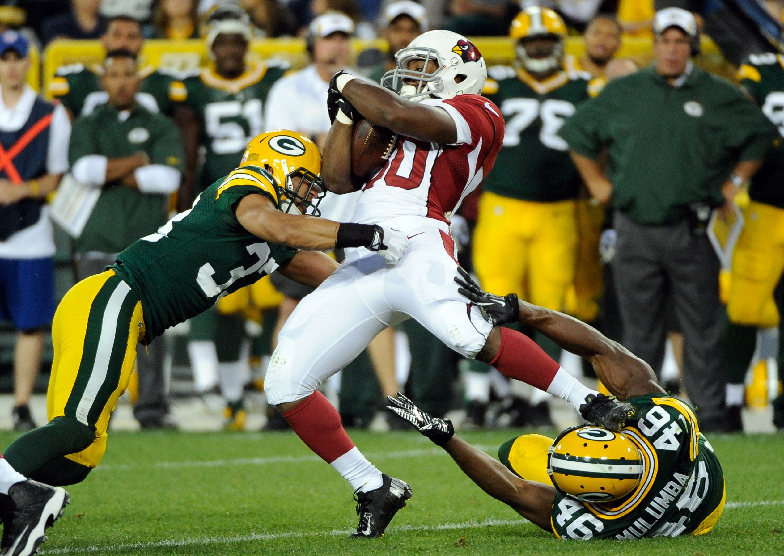Arizona Cardinals Running Back Stepfan Taylor Is Stopped By Green Bay Packers Cornerback Micah Hyde And Defensive Line Cardinals Game Green Bay Packers Packers