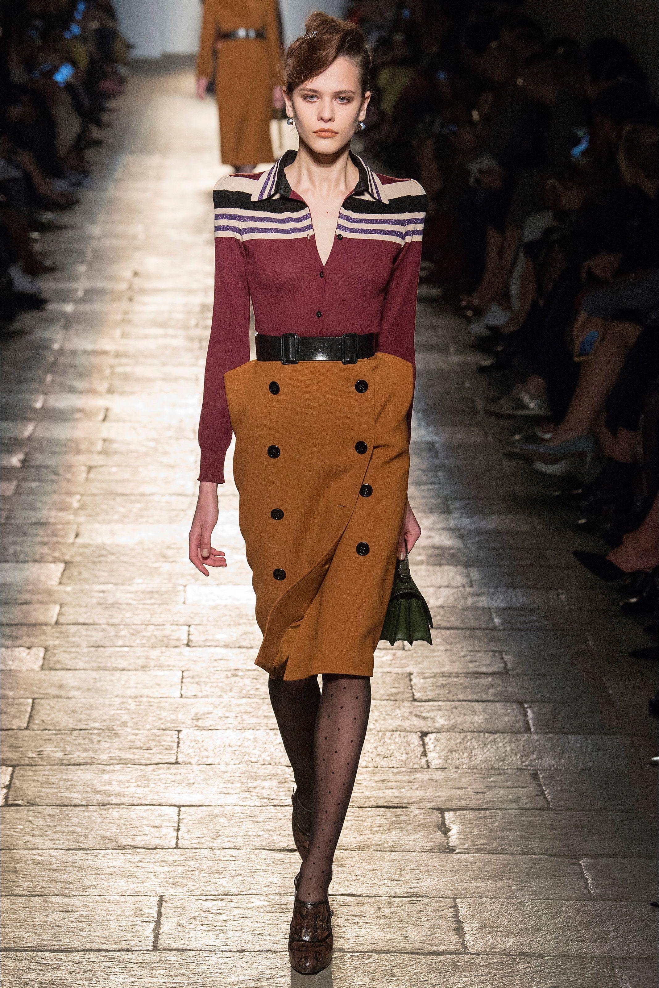 b68a4e77f28c2a Guarda la sfilata di moda Bottega Veneta a Milano e scopri la collezione di  abiti e