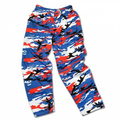 Crazy Doesn T Even Begin To Describe Your Game Day Style Keep Up That Spirit And Outdo Every Other Fan Out There With These Fun Nfl Outfits Camo Pants Casual