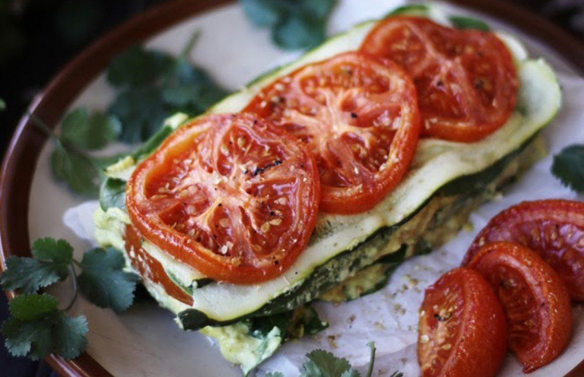 Raw zucchini tomato lasagna with cashew herb cheese vegan gluten raw zucchini tomato lasagna with cashew herb cheese vegan gluten free forumfinder Image collections