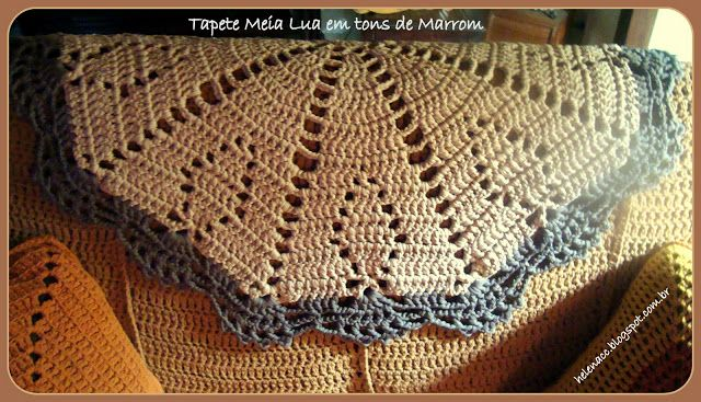 I ALSO ... CROCHETO: Carpet Half Moon in shades of brown Trapilho