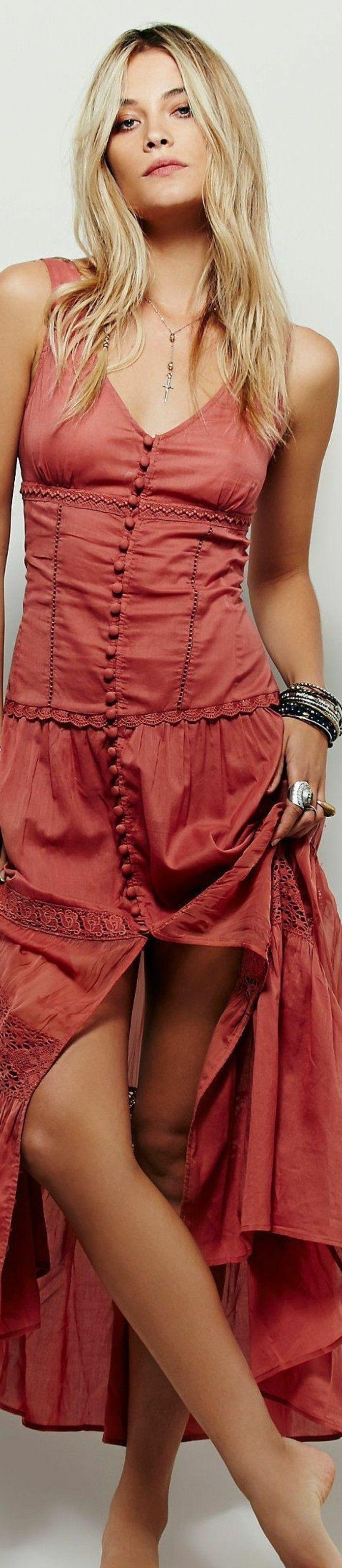 e04161ca310 look-bohème-robe-rouge-longue-style-hippie-chic-mode-d été