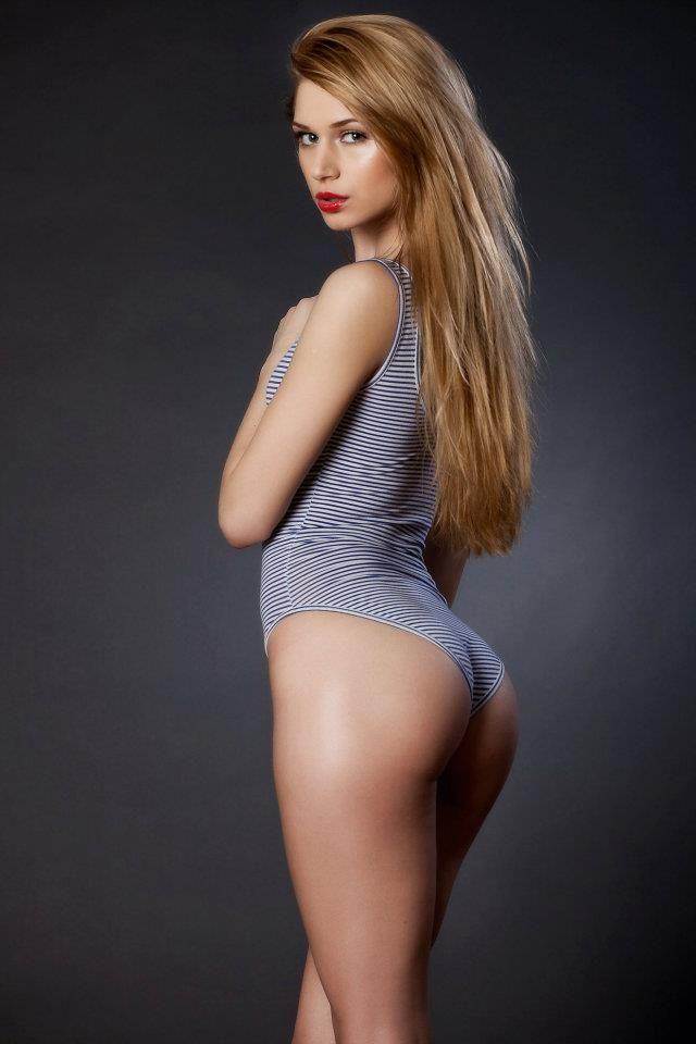 Hot Charlie May Nude Pic
