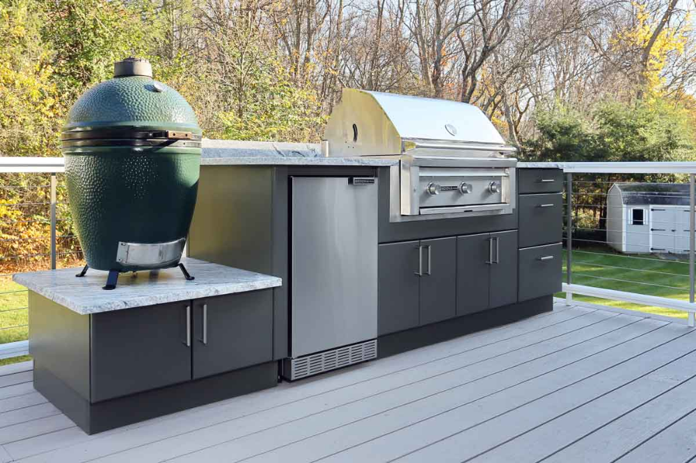 Werever Weatherproof Outdoor Kitchen Cabinets Are Made In Us And Built To Last A Lifetime G In 2020 Outdoor Kitchen Cabinets Outdoor Kitchen Bars Outdoor Bbq Kitchen