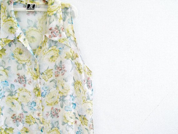 Vintage Sleeveless Top Shirt Floral Tank Size S M Mid by MeshuMaSH