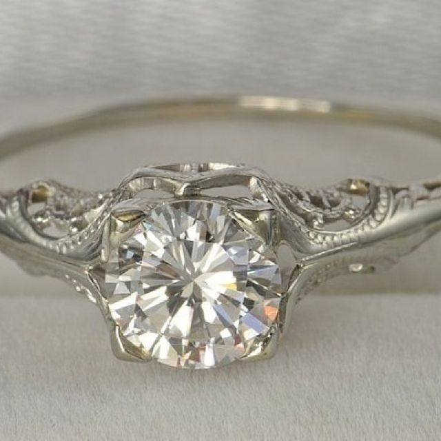 Such a pretty engagement ring!