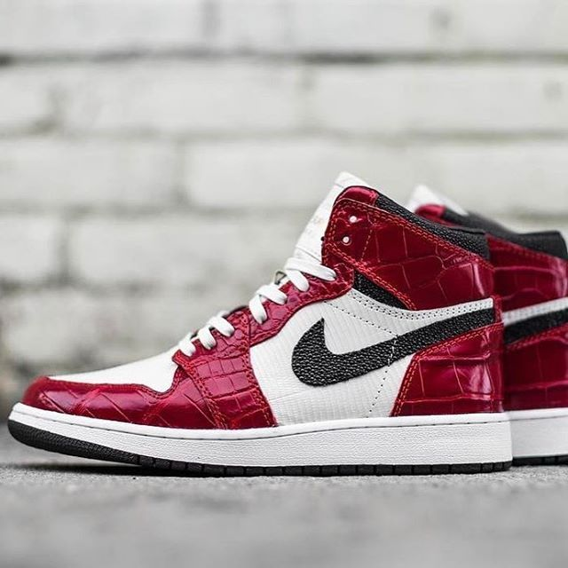 air jordan 1 sole collector instagram