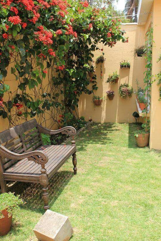 Pin by janet hernandez on garden pinterest gardens - Decorar jardin barato ...