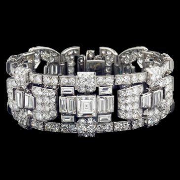 Brilliant and baguette diamond bracelet in platinum