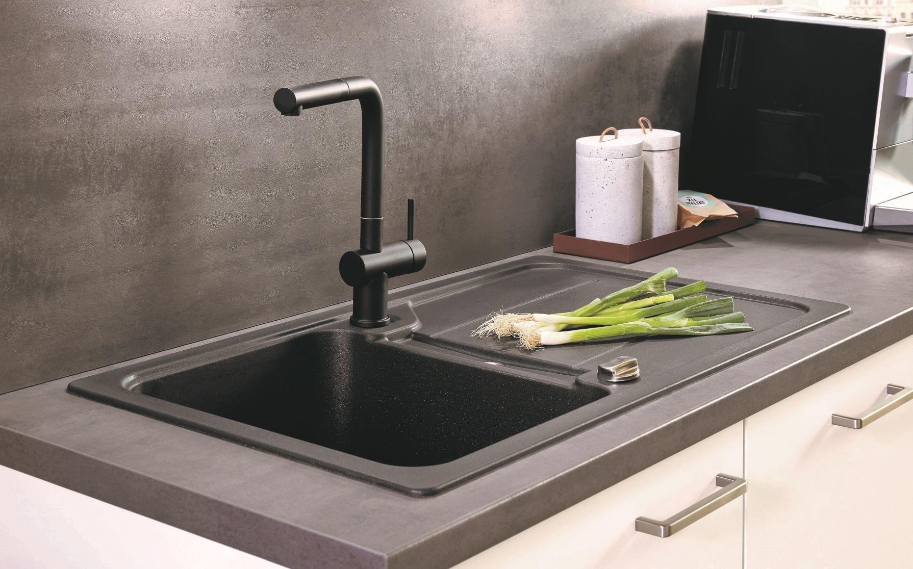 nobilia Küche Elmshorn 375 cm Weiß matt Einbauküche Beton Schiefergrau mit Elektrogeräten