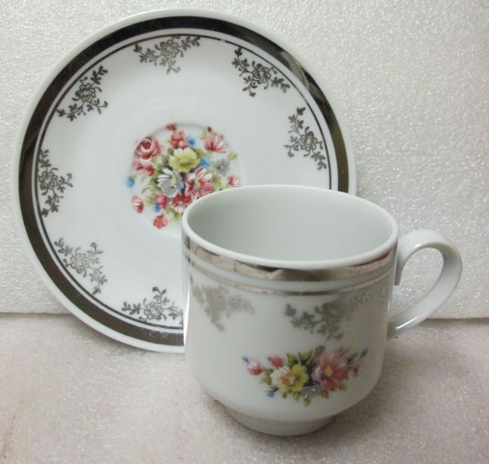 MADE IN ITALY FINE PORCELAIN DEMITASSE CUP & SAUCER HAND PAINTED DAINTY FLORALS! in Pottery & Glass, Pottery & China, Art Pottery, European Pottery, Italian | eBay