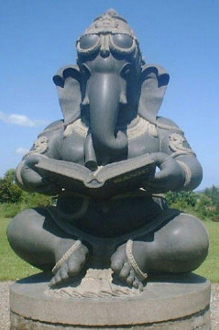 Ganesh Sculpture In Black Granite At Victoria S Way In Ireland Ganesh Art Sculpture