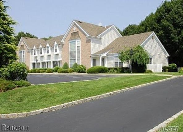 Fairfield Meadows 13 Sylvan Lane Port Jefferson Ny 11777 Rent Com Port Jefferson Apartments For Rent House Styles