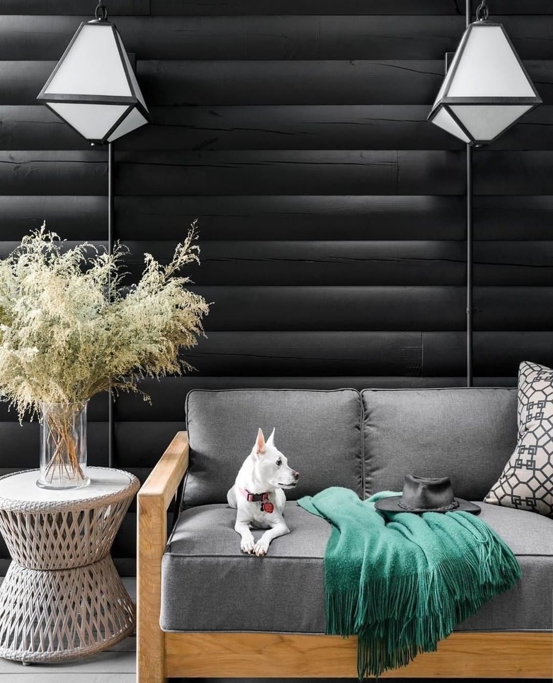Black Accent Wall Moody Bohi: Loving This Dark And Moody Living Room . The Black Accent