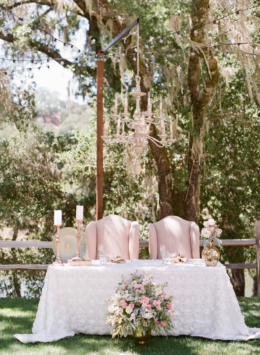 Gorgeous sweetheart table! Photography: Michael & Anna Costa Photography ~ Anna Costa - michaelandannacosta.com