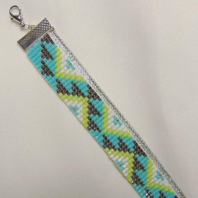 Loom bead bracelet by Perles & Bobines