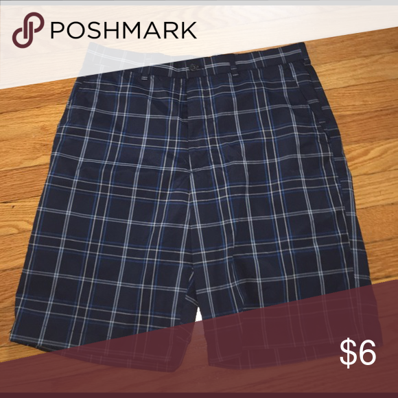 Ben Hogan Plaid Shorts Sz. 34 EUC. Puppy-loving smoke-free home. Sorry-no trades. All offers will be considered but please be respectful of the brand and the condition :) 20% discount if you bundle two or more items!  🛍 Happy Shopping! 🛍 ben hogan Shorts Flat Front