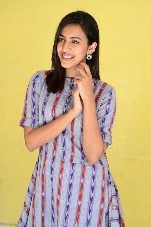 Niharika Konidela Interview Pics About Suryakantham Movie