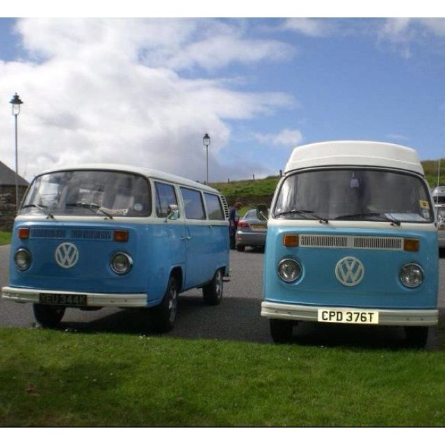 2 blue friends... Papa smurf and unknown in scotland #vw