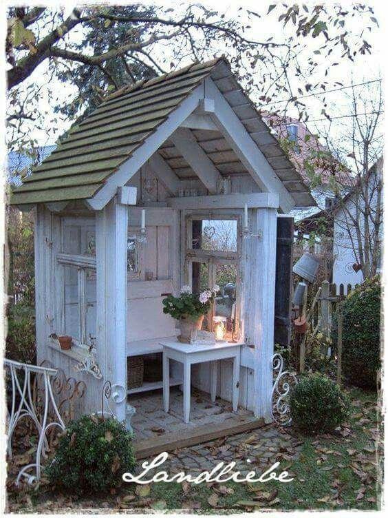 pin by shirlene womack on shabby chic pinterest gardens cozy rh pinterest co uk hamptons cottage and garden magazine
