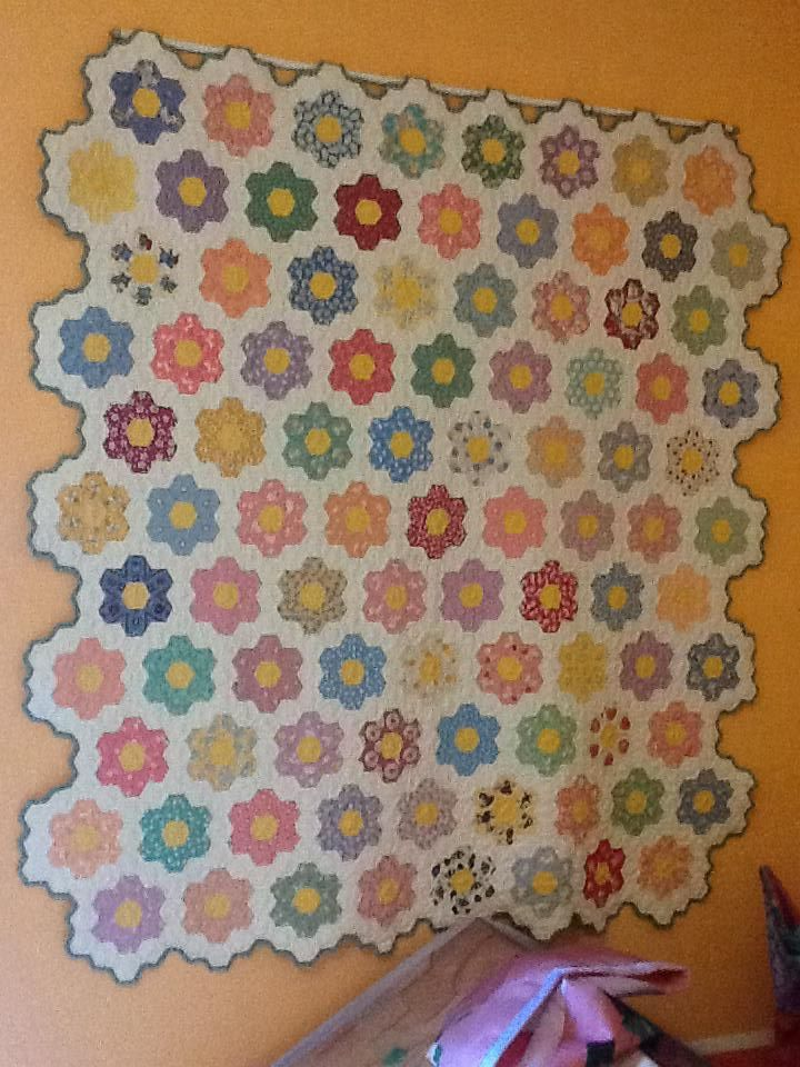 grandmothers flower quilt | Grandmother's Flower Garden Quilt ... : garden quilts - Adamdwight.com