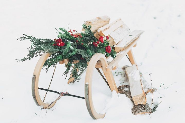 Winter wedding in snow - Christmas winter wedding decorations | fabmood.com #wedding #winterwedding #christmas #christmaswedding