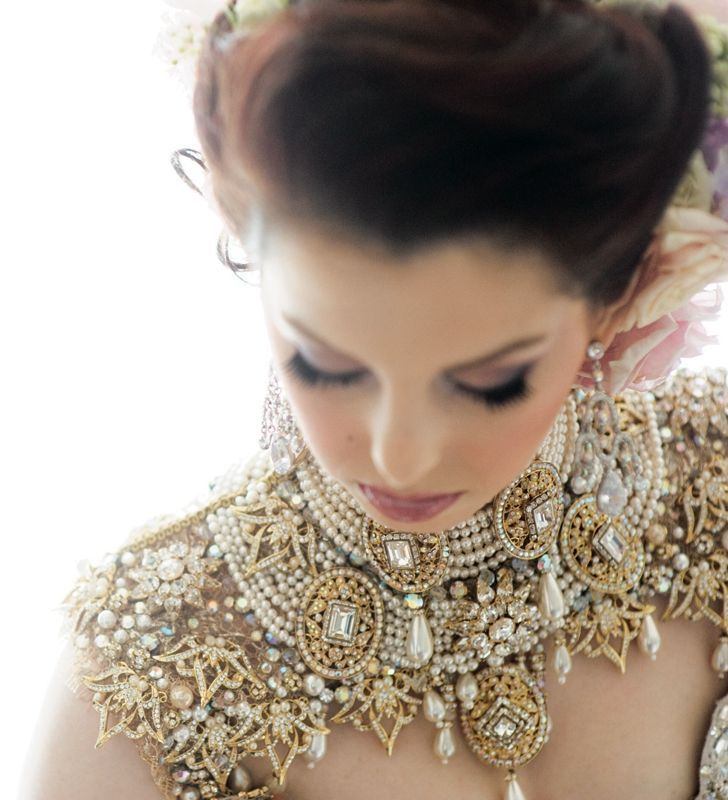 Kohinoor Indian Fashion N Beauty Brisbane: ℒʊᾔα мḯ @ηℊ℮ℓ༺♥ A Look Of European Royalty, I Wonder, How