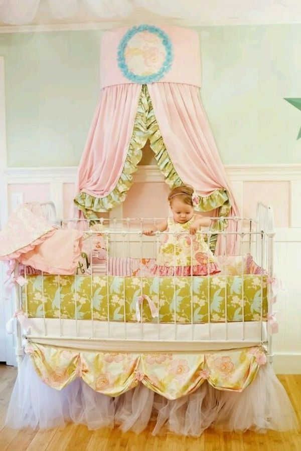 le lit baldaquin enfant comment faire la d co pour la chambre baby baby. Black Bedroom Furniture Sets. Home Design Ideas